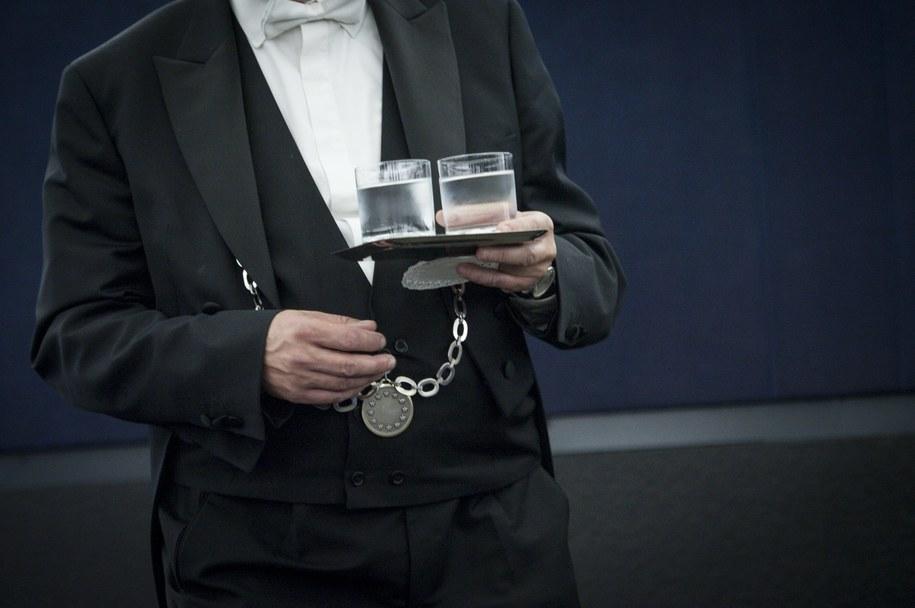 Kelner [zdj. ilustracyjne] /PAP/Wiktor Dąbkowski /PAP