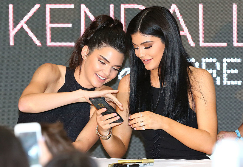 Kendall i Kylie Jenner /Scott Barbour /Getty Images
