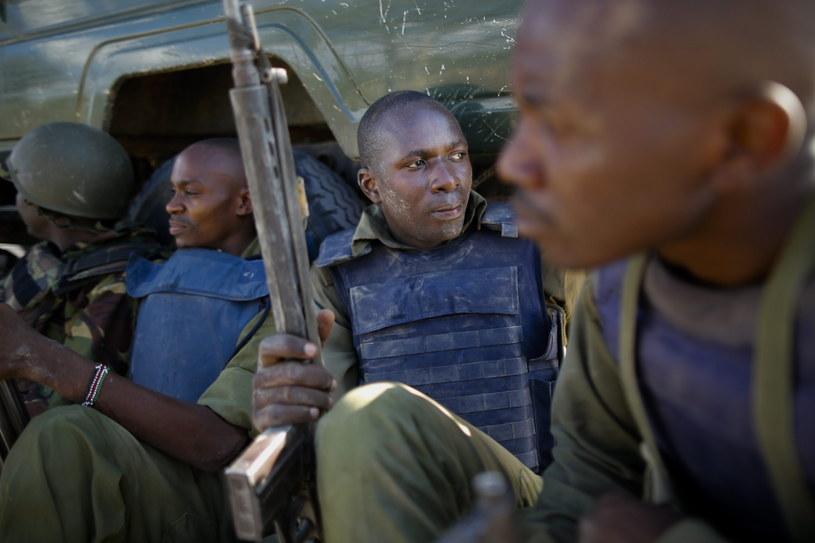Kenijscy żołnierze podczas ataku na kampus /PAP/EPA