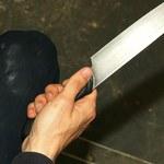 Kęty: Zaatakował nożem żonę. Motywem miała być zazdrość