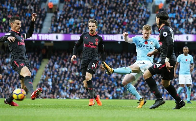 Kevin de Bruyne strzela gola dla Manchesteru City /PAP/EPA