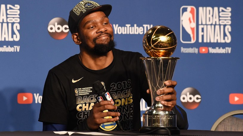 Kevin Durant z nagrodą MVP /Getty Images
