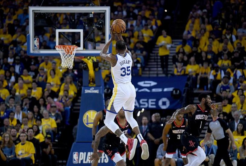 Kevin Durant zdobył 35 punktów w meczu z Rockets /AFP