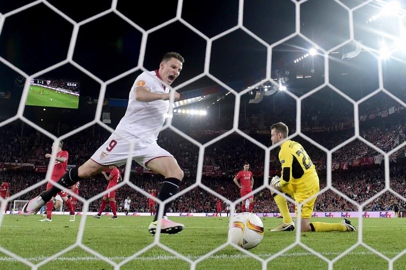 Kevin Gameiro świętuje zdobycie bramki w finale Ligi Europejskiej z Liverpoolem /AFP
