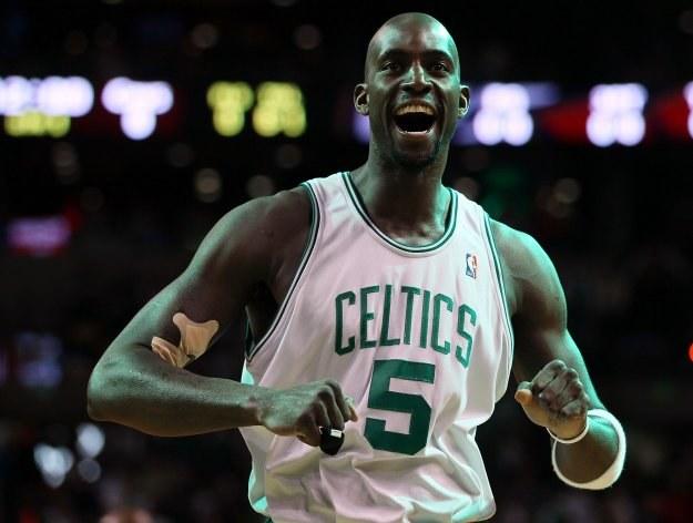 Kevin Garnett poprowadził Celtics do zwycięstwa nad Cavs /AFP