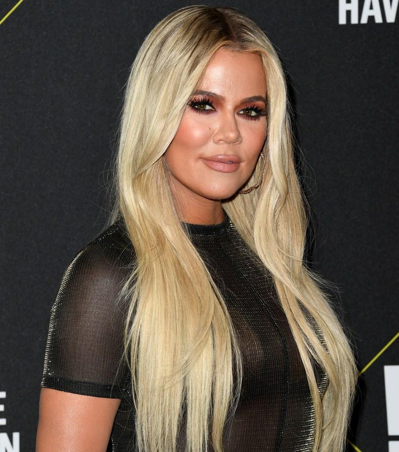 Khloe Kardashian zapozowała w obcisłych jeansach / Jon Kopaloff / Stringer /Getty Images