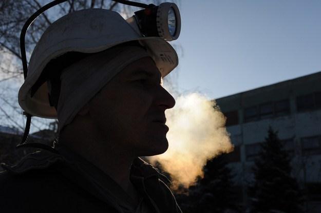KHW zatrudnia ponad 19,1 tys. osób w czterech kopalniach i jednej stowarzyszonej /AFP