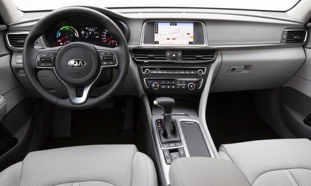 Kia Optima plug-in hybrid /Kia