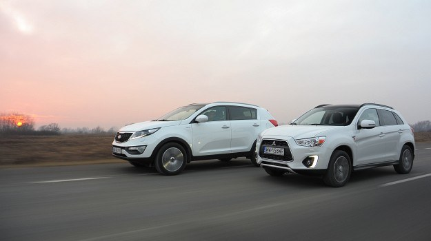 Kia Sportage jest dłuższa od Mitsubishi ASX o 14 cm. To przekłada się na przestronność kabin. Koreański SUV oferuje więcej miejsca. /Motor
