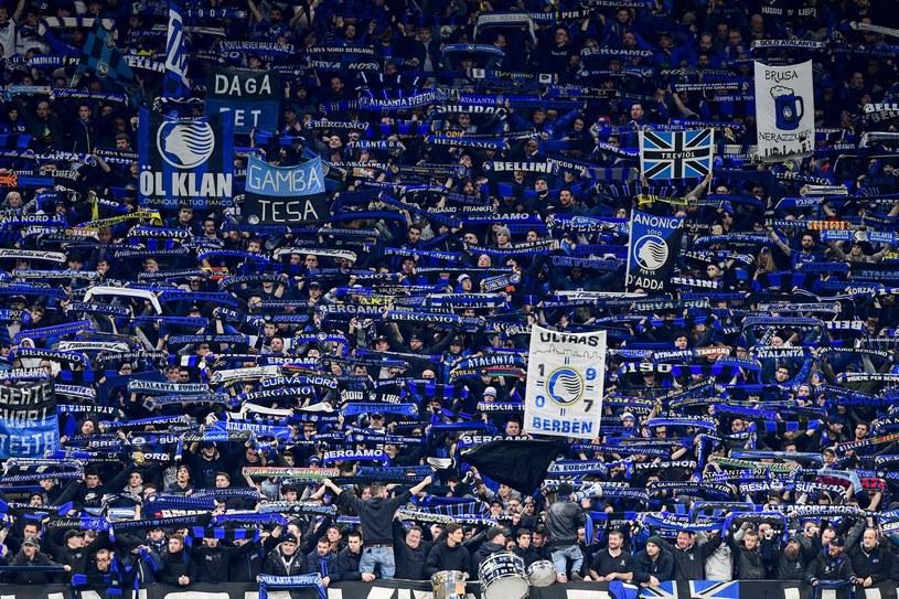Kibice Atalanty podczas meczu z Valencią na San Siro w Mediolanie /AFP