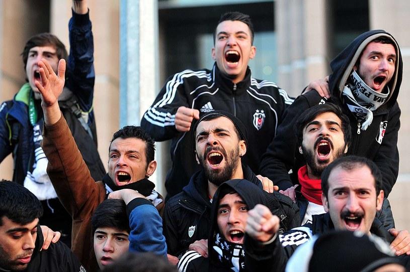 Kibice Besiktasu podczas jednego z wielu protestów /AFP