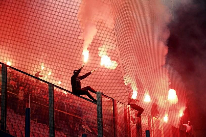 Kibice Cracovii podczas meczu piłkarskiej Ekstraklasy z Wisłą Kraków /Jacek Bednarczyk   /PAP
