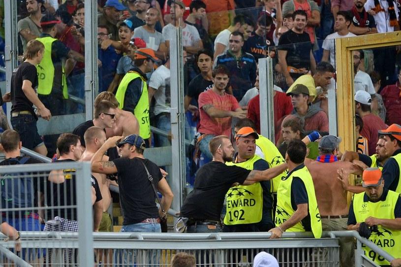 Kibice CSKA Moskwa podczas meczu z Romą /AFP