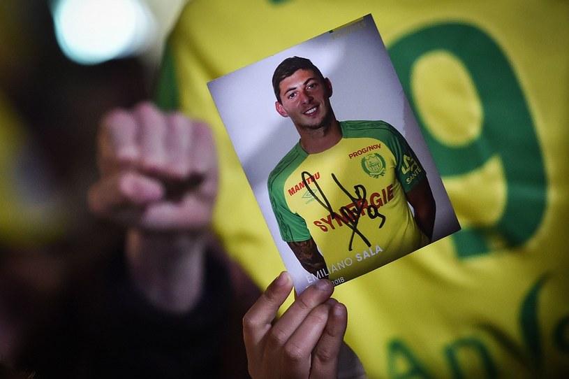 Kibice FC Nantes ze zdjęciem Emiliano Sali /AFP