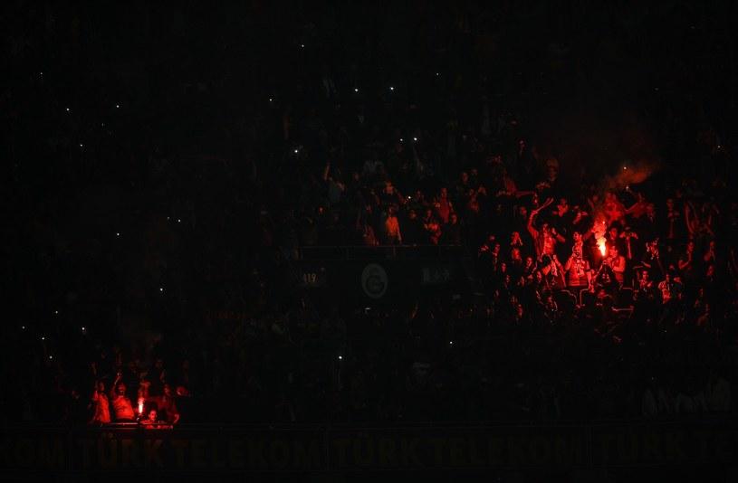"""Kibice """"Galaty"""" podczas jednego z meczów na nowoczesnej Turk Telekom Arenie /AFP"""