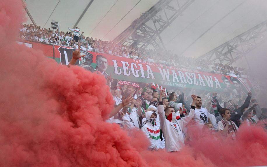 Kibice Legii Warszawa podczas meczu z Pogonią Szczecin /Bartłomiej Zborowski /PAP