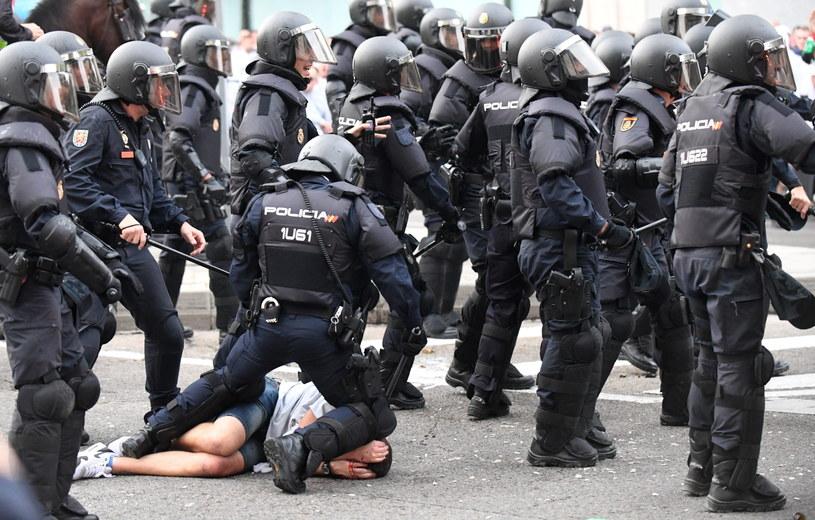 Kibice Legii Warszawa wywołali zamieszki podczas niedawnego meczu Ligi Mistrzów z Realem w Madrycie /Bartłomiej Zborowski /PAP