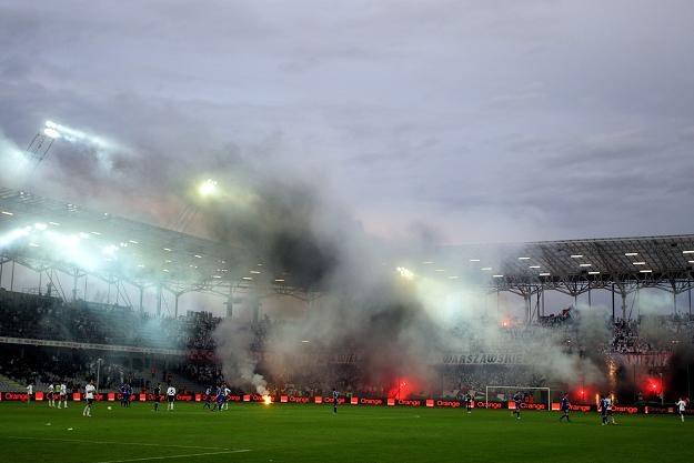 Kibice odpalili race podczas meczu o finał Pucharu Polski /Fot. Piotr Polak /PAP