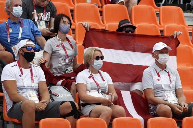 Kibice oglądający wcześniejszy mecz Polski z Łotwą / FAZRY ISMAIL    /PAP/EPA