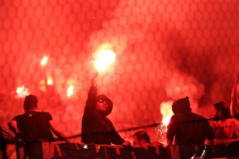 Kibice podczas meczu Olympiakosu z APOEL-em w Lidze Europejskiej /AFP