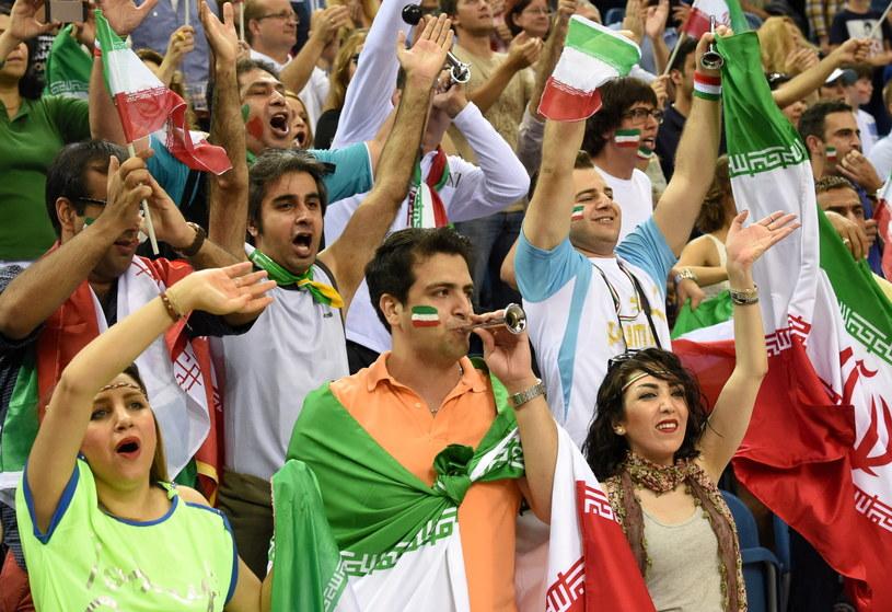 Kibice reprezentacji Iranu podczas meczu grupy D mistrzostw świata siatkarzy z Belgią /Jacek Bednarczyk /PAP