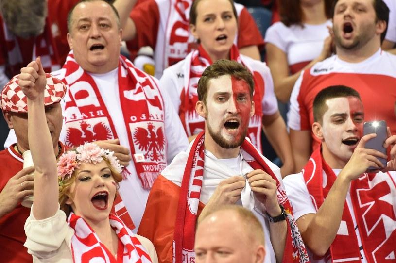 Kibice reprezentacji Polski musieli się wykosztować, by oglądać na żywo piłkarzy ręcznych. /Jacek Bednarczyk /PAP