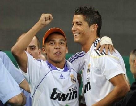 Kibice w Madrycie oszaleli po transferze Cristiano Ronaldo /AFP