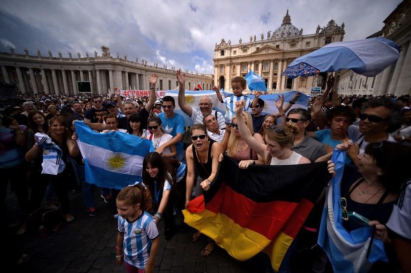Kibice w Watykanie podczas brazylijskiego mundialu /AFP