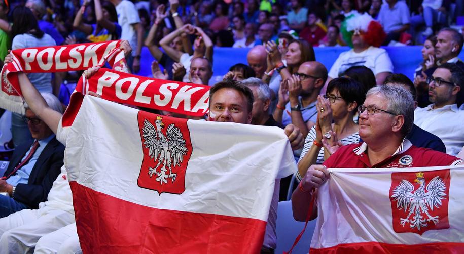 Kibice wierzyli w zwycięstwo Polaków /ALESSANDRO DI MARCO  /PAP/EPA