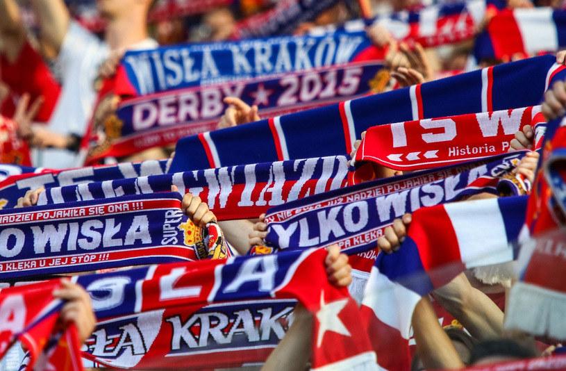 Kibice Wisły Kraków czekają na lepsze czasy swojego klubu /Jan Graczyński /East News