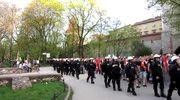 Kibole Widzewa maszerują przez Kraków
