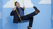 """Kidding"": Jim Carrey smutki leczy kolorem"