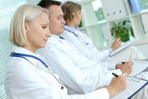 Kiedy lekarze zaczną wystawiać elektroniczne zwolenienia? /©123RF/PICSEL