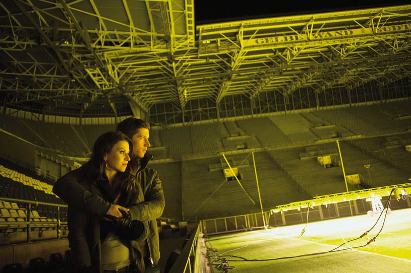 - Kiedy mam mecz, lubię wiedzieć, że ktoś z bliskich siedzi na trybunach. Najlepiej, jeśli jest to Ania - mówi Lewandowski /Karol Grygoruk /PANI