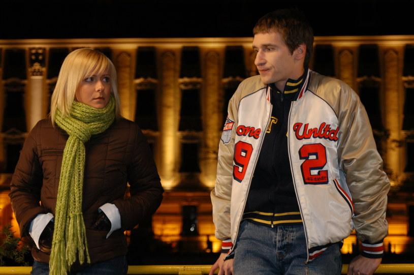 Kiedy Marysi (Aneta Zając)powiedziała Andrzejowi (Jakub Kamieński), że nigdy go nie pokocha, ten oświadczył się Emilce (Anna Ilczuk). /Polsat