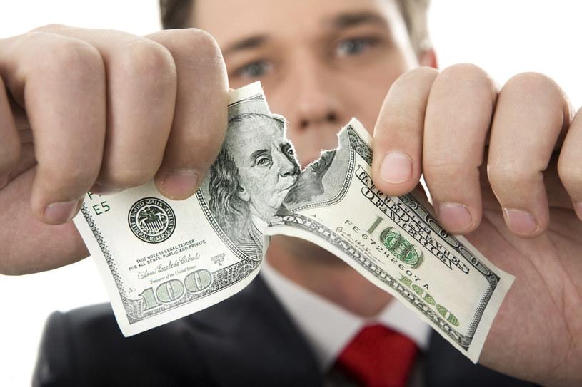 Kiedy możemy wymienić uszkodzone pieniądze na nowe i jak to zrobić? /© Glowimages