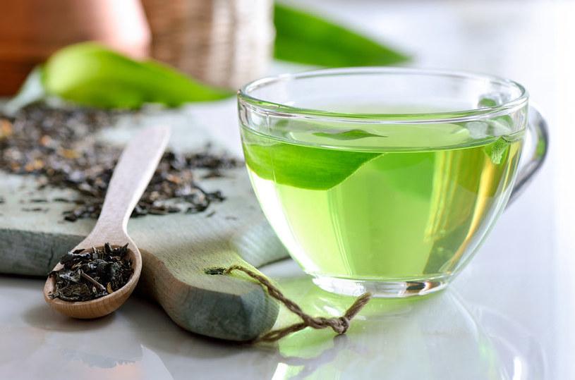 Kiedy najlepiej pić zieloną herbatę? /©123RF/PICSEL