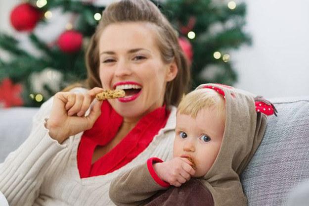 Kiedy poczujesz przesyt, lepiej zrezygnuj z kolejnego ciasteczka. Zawsze możesz zjeść go jutro /123RF/PICSEL