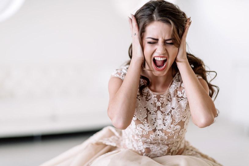 KIedy pojawiają się wątpliwości przed ślubem warto o nich porozmawiać z przyjaciółmi, rodziną czy nawet psychologiem /123RF/PICSEL