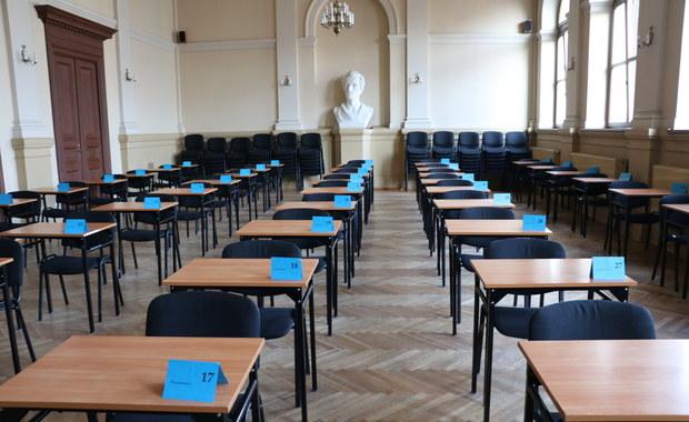 """Kiedy poznamy termin matur i egzaminu ósmoklasisty? """"Informacja na jednej z najbliższych konferencji"""""""