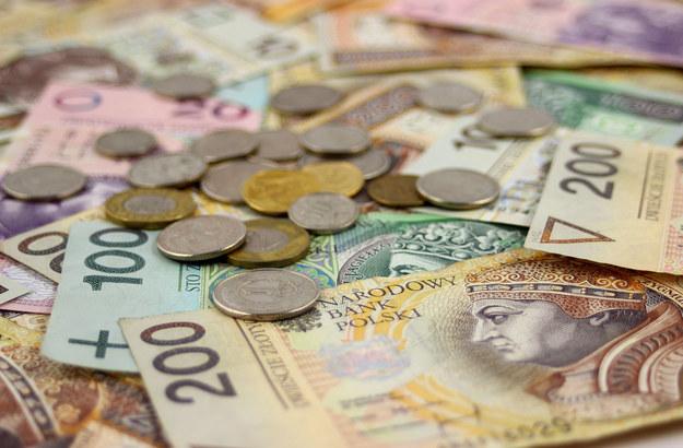 Kiedy średnie wynagrodzenie przekroczy 5 tys. zł miesięcznie? /123RF/PICSEL