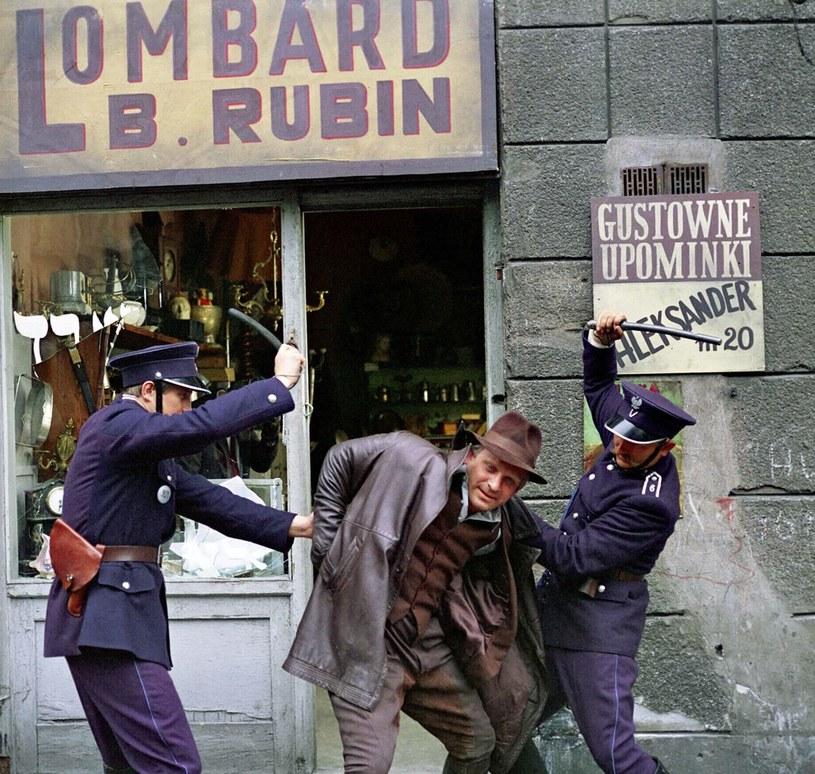 Kiedy szajka została zdemaskowana, policja nie przebierała w środkach /JERZY SKRZEPINSKI /East News