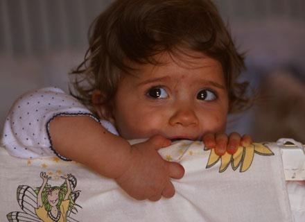 Kiedy twoje dziecko jest przestraszone, pokazuje to całym sobą /© Panthermedia