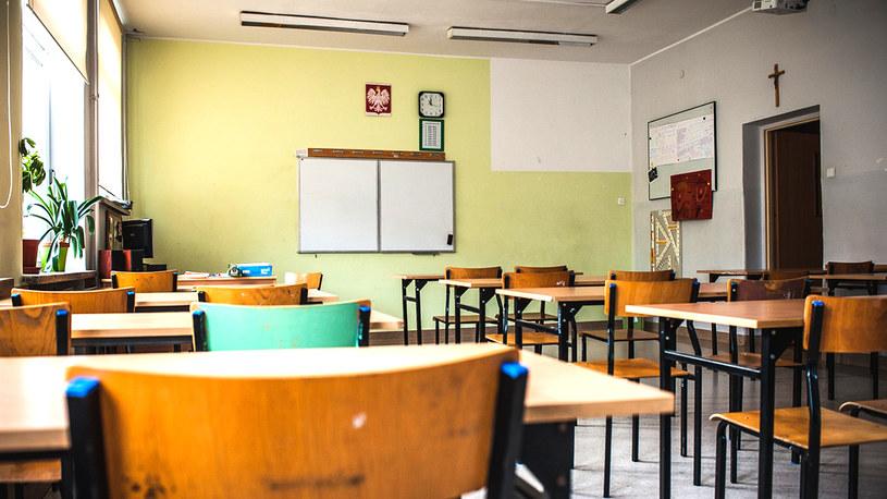 Kiedy uczniowie wrócą do szkół? /Karol Makurat /Reporter