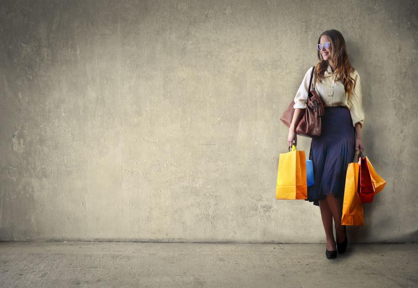 Kiedy warto kupować na raty? /123RF/PICSEL