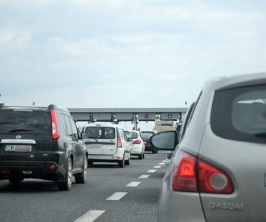 Kiedy z autostrad znikną znienawidzone bramki?