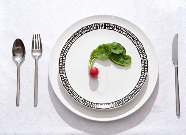 """Kiedy za mało jemy spowolniamy metabolizm, wówczas waga """"staje"""" i przestajemy chudnąć /© Panthermedia"""