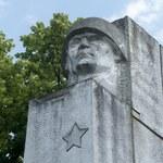 Kielce: Wandale zniszczyli nagrobki na cmentarzu żołnierzy radzieckich