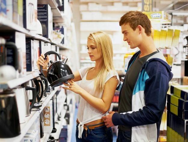 Kiepskiej jakości i niewiadomego pochodzenia sprzęt AGD podważa zaufanie do renomowanych wyrobów /©123RF/PICSEL