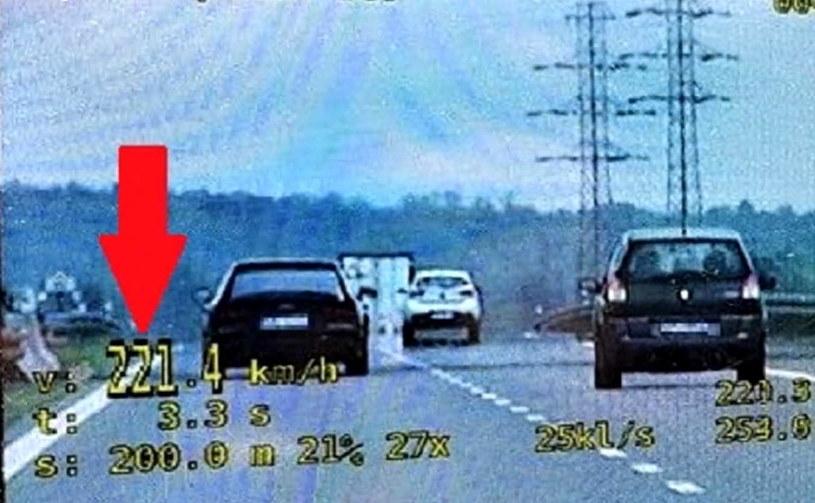 Kierowca Audi jechał 221 km/h /Policja